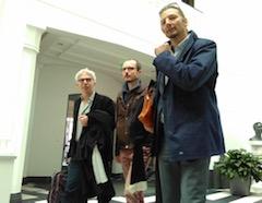Antoine et ses avocat William Bourdon et Philippe Penning